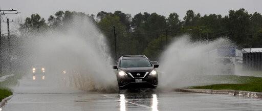 """德州东部遭""""伊梅尔达""""侵袭 降雨量高达40英寸 911被打爆!"""