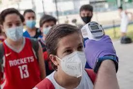 太可怕!2人传染82人 上千名学生危险 家长紧急把孩子接走!