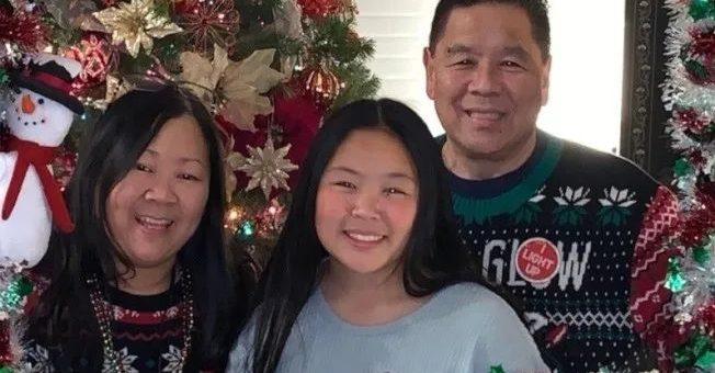 在家戴口罩远程上班,亚裔家庭还是全家中标,父亲丈夫相继去世