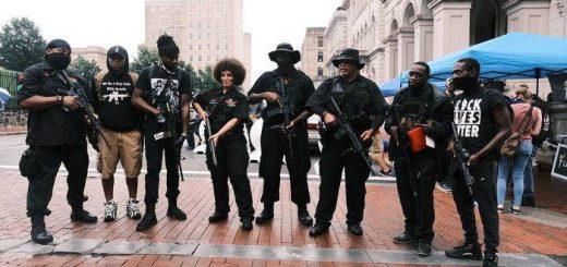 """越来越多非裔美国人开始购入枪支:""""宁愿因持枪受审,也不愿手无寸铁进墓地"""""""