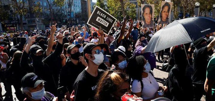 大选还没结束,双方已经乱了!旧金山集会抗议推特审查,遭反川普者围攻,6人受伤!