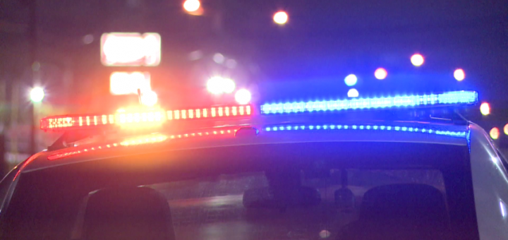警方说,周四凌晨,在普莱森特格罗夫的一家汽车经销店发生枪击事件后,一个人受伤。
