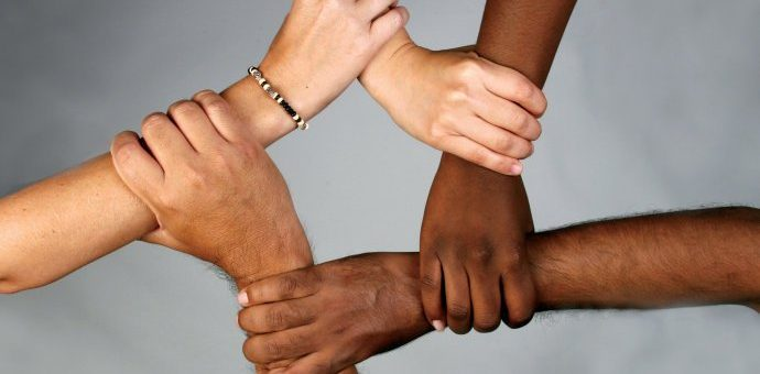 拜登签备忘录打击歧视亚太裔事件 再度呼吁种族平等