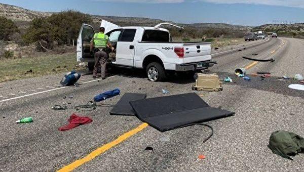 躲避警方追捕撞车 8名18-25岁偷渡者丧生