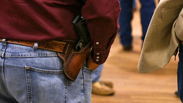 等待州长签字生效 德州人将可无证持枪